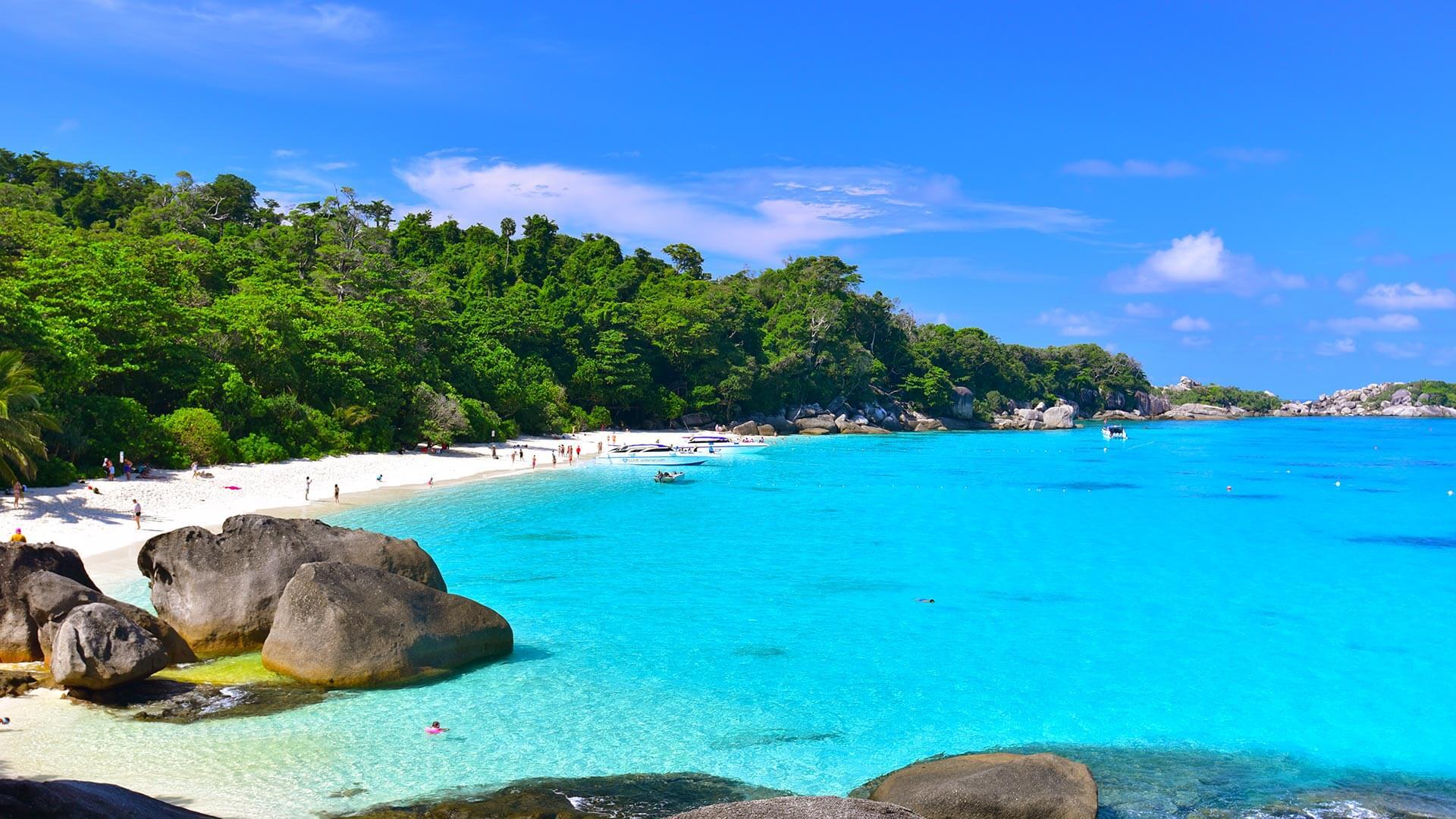 koh-tachai-best-scuba-diving-liveaboard-thailand-phuket